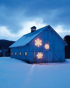 String-Light Snowflake | Martha Stewart