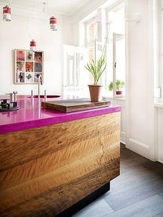 Meuble en bois avec plexi coloré FAVORITE