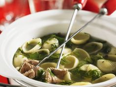 Pasta-Fondue mit Rind ist ein Rezept mit frischen Zutaten aus der Kategorie Fleisch. Probieren Sie dieses und weitere Rezepte von EAT SMARTER!