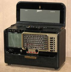 Zenith Trans-Oceanic Shortwave Radio - Works