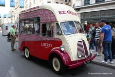 Commercial Van, Commercial Vehicle, Food Vans, Vintage Ice Cream, Ice Cream Van, Old Commercials, Thing 1, Vintage Vans, Camper Van