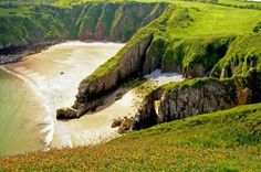 Skrinkle Haven near Manorbier in Pembrokeshire UK Wales Beach, Pembrokeshire Wales, Visit Wales, Hidden Beach, Most Beautiful Beaches, Beautiful Places, Places Of Interest, British Isles, South Wales