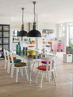 Jurnal de design interior: Prospețime și veselie în amenajarea unui penthouse din Palma de Mallorca