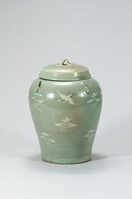 Celadon Jar with Four Lugs and Inlaid Cloud and Crane Design 큰 이미지