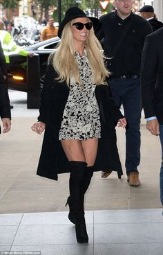 Britney Spears steps out in London after energetic concert  | Daily Mail Online