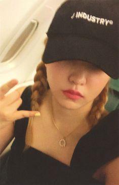 South Korean Girls, Korean Girl Groups, Red Velvet, Kim Yerim, Seulgi, Korean Singer, Photo Cards, Bad Boys, Girl Photos