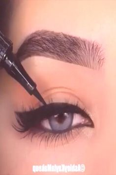 Makeup Tutorial Eyeliner, No Eyeliner Makeup, Eye Makeup Tips, Skin Makeup, Makeup Inspo, Natural Eyeliner, Simple Eyeliner, Eyeliner Waterline, Makeup Tutorials