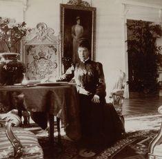 Dowager Empress Maria Feodorovna Photo source: whitegrandduchess/vk