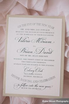 New Year's eve weddings need confetti and bursting bubbles. The wedding invitations were designed with a vintage typography.  We have tons of details of the confetti New Year's Eve wedding. Be sure to pin them all!
