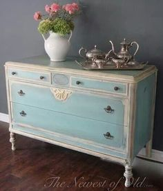 Furniture painted shabby blue and white Annie Sloan Painted Furniture, Chalk Paint Furniture, Distressed Furniture, Repurposed Furniture, Shabby Chic Furniture, Vintage Furniture, Farmhouse Furniture, Luxury Furniture, Wood Furniture