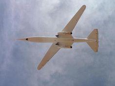 NASA AD-1 Oblique Wing - самолёт с наклонным крылом.