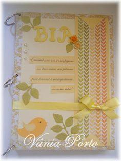 Livro de assinatura de uma bebê.