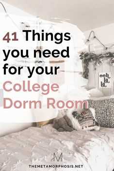 Make sure you don't forget anything on this list for your college dorm room! Make sure you don't forget anything on this list for your college dorm room! You'll definitely College Dorm Essentials, College Dorm Rooms, College Checklist, College Packing, Room Essentials, Dorm Room Storage, Dorm Room Organization, Rooms Ideas, Bedroom Ideas