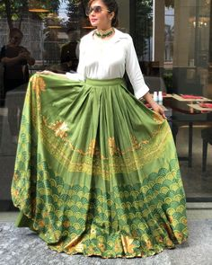 Stunning green lehenga skirt with a formal shirt for mehendi. Indian Fashion Dresses, Indian Gowns Dresses, Indian Designer Outfits, Skirt Fashion, Indian Skirt, Dress Indian Style, Kurti Designs Party Wear, Lehenga Designs, Stylish Dress Designs