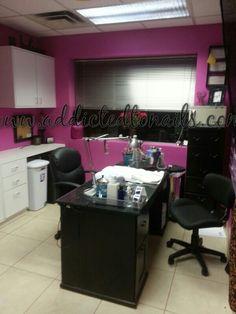 home nail salon decorating, inspiration ideas Home Nail Salon, Nail Salon Decor, Salon Decorating, Nail Equipment, Tech Room, Nail Station, Acrylic Nail Shapes, Nail Room, Ikea Desk