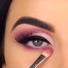 "She's amazing 😍 History of eye makeup ""Eye care"", quite simply, ""eye make-up"" is Purple Eye Makeup, Eye Makeup Tips, Glam Makeup, Makeup Videos, Makeup Inspo, Makeup Inspiration, Beauty Makeup, Purple Makeup Looks, Eyebrow Makeup"