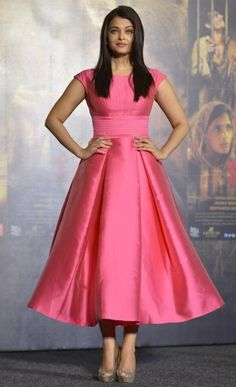 Bollywood Style Aishwarya Rai Shantoon Party Wear Stitched Dress In Pink Colour Indian Gowns Dresses, Pink Gowns, Prom Dresses, Dress Prom, Long Gown Dress, Frock Dress, Lehenga Designs, Frock Fashion, Fashion Dresses