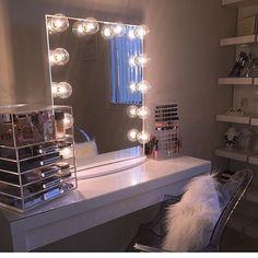 GLAMOROUS ✨ Who else will be dreaming of gorgeous vanity… Hollywood Vanity Mirror, Vanity Desk, Vanity Tables, Glam Room, Room Organization, Makeup Organization, Makeup Storage, Beauty Room, Bedroom Decor