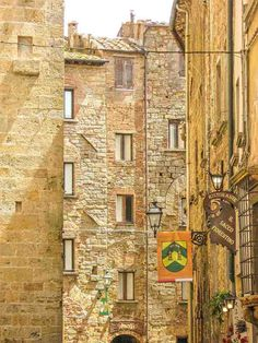 Beautiful Volterra, Tuscany, Italy This should be probably the tiniest house in Volterra. Isn't Volterra simply magical?