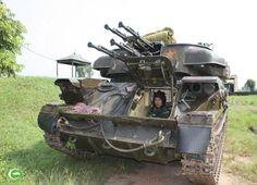 Đơn vị phòng không tự hành ZSU-23-4 chuẩn bị hành quân.