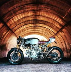 Ducati custom Cafe Racer