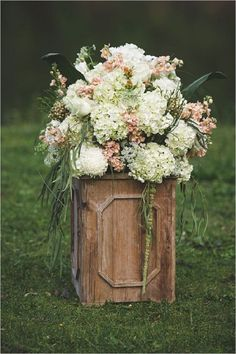 rustic country garden floral ceremony decor - Deer Pearl Flowers