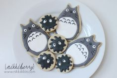 Totoro and soot sprite cookies by nikkiberry