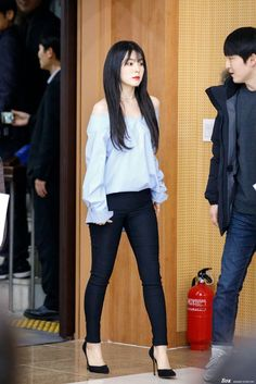 irene ♡ red velvet Times Irene Made Fans Drop Dead With Her FashionRed Velvet's Irene is one fashionable lady and here's 15 outfits that prove she should be your next fashion bible! Fashion Bible, Kpop Fashion, Korean Fashion, Girl Fashion, Fashion Outfits, Basic Outfits, Stage Outfits, Korean Outfits, Red Valvet