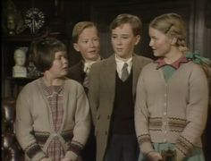 BBCTV 'The Chronicles of Narnia - The Lion, The Witch and The Wardrobe' with Lucy (Sophie Wilcox), Edmund (Jonathan R.Scott), Peter (Richard Dempsey), and Susan (Sophie Cook). 80s Stuff, Nerd Stuff, Sophie Cook, Fantasy Films, Chronicles Of Narnia, Sweet Memories, Old Movies, Christmas Pictures, Tolkien