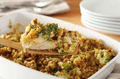 Easy Chicken Bake 1 pkg. (6 oz.) STOVE TOP Stuffing Mix for Chicken 3 Tbsp. flour 1-1/2 cups milk 3 cups fresh broccoli florets 1 cup KRAFT Shredded Cheddar Cheese 1/2 tsp. dried thyme leaves 6 small boneless skinless chicken breast halves (1-1/2 lb.) 1 tsp. oil