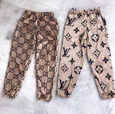 Louis Vuitton Monogram Empreinte Leather Pochette Metis Handbag Article: Made in France – The Fashion Mart Fashion Mode, Teen Fashion Outfits, Swag Outfits, Cute Casual Outfits, Kids Fashion, Girl Outfits, Runway Fashion, Fashion Dresses, Fashion Trends