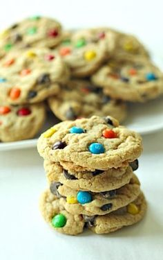 Soft Batch Chewy M and M Cookies – Six Sisters' Stuff Ghirardelli Chocolate Chip Cookies, Rolo Cookies, Banana Chocolate Chip Cookies, Yummy Cookies, Orange Creamsicle Cookie Recipe, Brownie Bites Recipe, Truffles Recipe, Oreo Truffles, Cookie Recipes