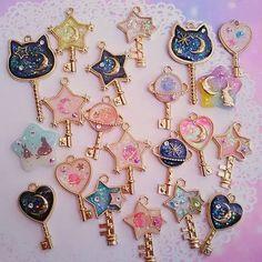 Buy Silver Gold Key Open Bezel Pendant Necklace Wand Open Bezel Charm UV Resin Crafts at Wish - Shopping Made Fun Kawaii Jewelry, Cute Jewelry, Diy Jewelry, Jewelery, Jewelry Making, Uv Resin, Resin Art, Diy And Crafts, Arts And Crafts