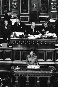 Simone Veil lors du débat sur la légalisation de l'IVG, en 1974.