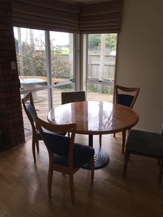 Find a flatmate or a room to rent anywhere in New Zealand. Flatmates Wanted, Dining Chairs, Dining Table, Rooms For Rent, Bedrooms, House, Furniture, Home Decor, Dinner Chairs
