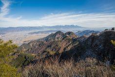 【独鈷山 西前山】登山百景-上田市街と浅間山