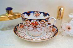 uscan Antique Imari Inspired Teacup and Saucer Set, c. 1907-1919
