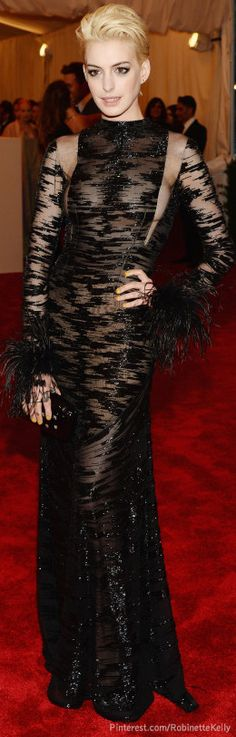 Anne Hathaway, Valentino | Met Gala 2013