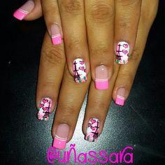 Veronica, Hello Kitty, Finger, Nail Designs, Nail Art, Creative, Work Nails, Frases, Classy Nails