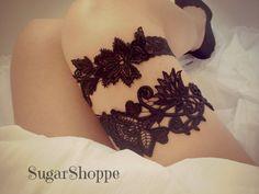 Beautiful Black Venetian Lace Wedding Garter Set.... maybe in blue?