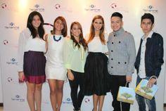 Maggie Cortez junto a diseñadores salvadoreños! Gracias por su talento amigos! esta fiesta fue para ustedes!