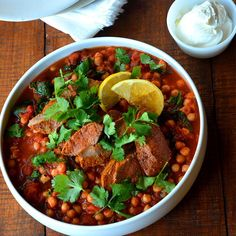 Harissa Lamb with Spinach and Chickpeas - Recipes Harris Farm Chickpea Recipes, Lamb Recipes, Spicy Recipes, Chickpeas Spinach Recipe, Lamb Dishes, Meals For The Week, Chana Masala, Stuffed Peppers, Dinner
