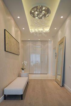 Apartment Entrance Hallway Floors Ideas For 2019 Open Plan Apartment, Apartment Entrance, Apartment 9, Contemporary Hallway, Modern Hallway, Dark Hallway, Contemporary Apartment, Flur Design, Plafond Design