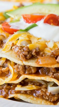 Flat Ground Beef Enchiladas ~ A super quick and easy weeknight dinner that the whole family will enjoy. It's taco night reinvented! Mexican Dishes, Mexican Food Recipes, Mexican Desserts, Ground Beef Enchiladas, Good Food, Yummy Food, Enchilada Recipes, Enchilada Sauce, Guacamole Recipe