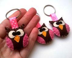 Felt owl keychain handmande felt animals key by grabacoffee Felt Keychain, Keychain Ideas, Ribbon Projects, Felt Projects, Felt Crafts, Diy And Crafts, Baby Christmas Gifts, Felt Decorations, Craft Projects For Kids