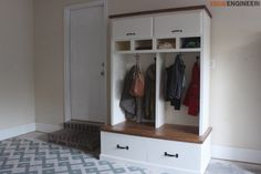 Mudroom Lockers with Bench { Free DIY Plans }Mudroom Lockers with Bench { Free DIY Plans }