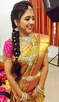 44 ideas for hair styles wedding indian hairdos – - DIY Frisuren South Indian Wedding Hairstyles, Bridal Hairstyle Indian Wedding, South Indian Bride Hairstyle, Bridal Hair Buns, Bridal Hairdo, Wedding Updo, Boho Wedding, Saree Hairstyles, Bride Hairstyles