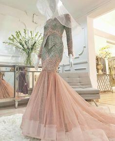 Muslimah Wedding Dress, Hijab Wedding Dresses, Wedding Gowns, Couture Dresses, Fashion Dresses, Kebaya Modern Dress, Malay Wedding Dress, Hijab Dress Party, Muslim Dress