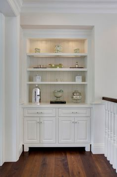 Small white hallway cabinet a with shoe and seating bench shelves built in cabinets narrow Hallway Storage Cabinet, White Hallway, Built In Bookcase, Bookcases, Built In Cabinets, Kitchen Cabinets, Furniture Layout, Luxury Interior Design, Built Ins