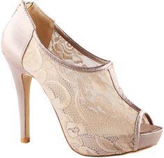 Zapatos de fiesta con encaje